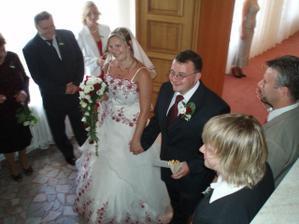 Již štastní novomanželé