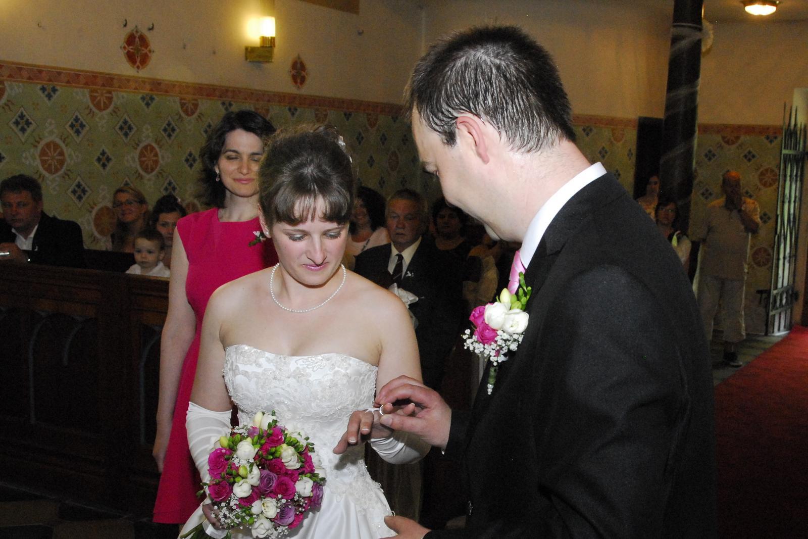 Bílé krémové svatební šaty, vel. 36 - Obrázek č. 3