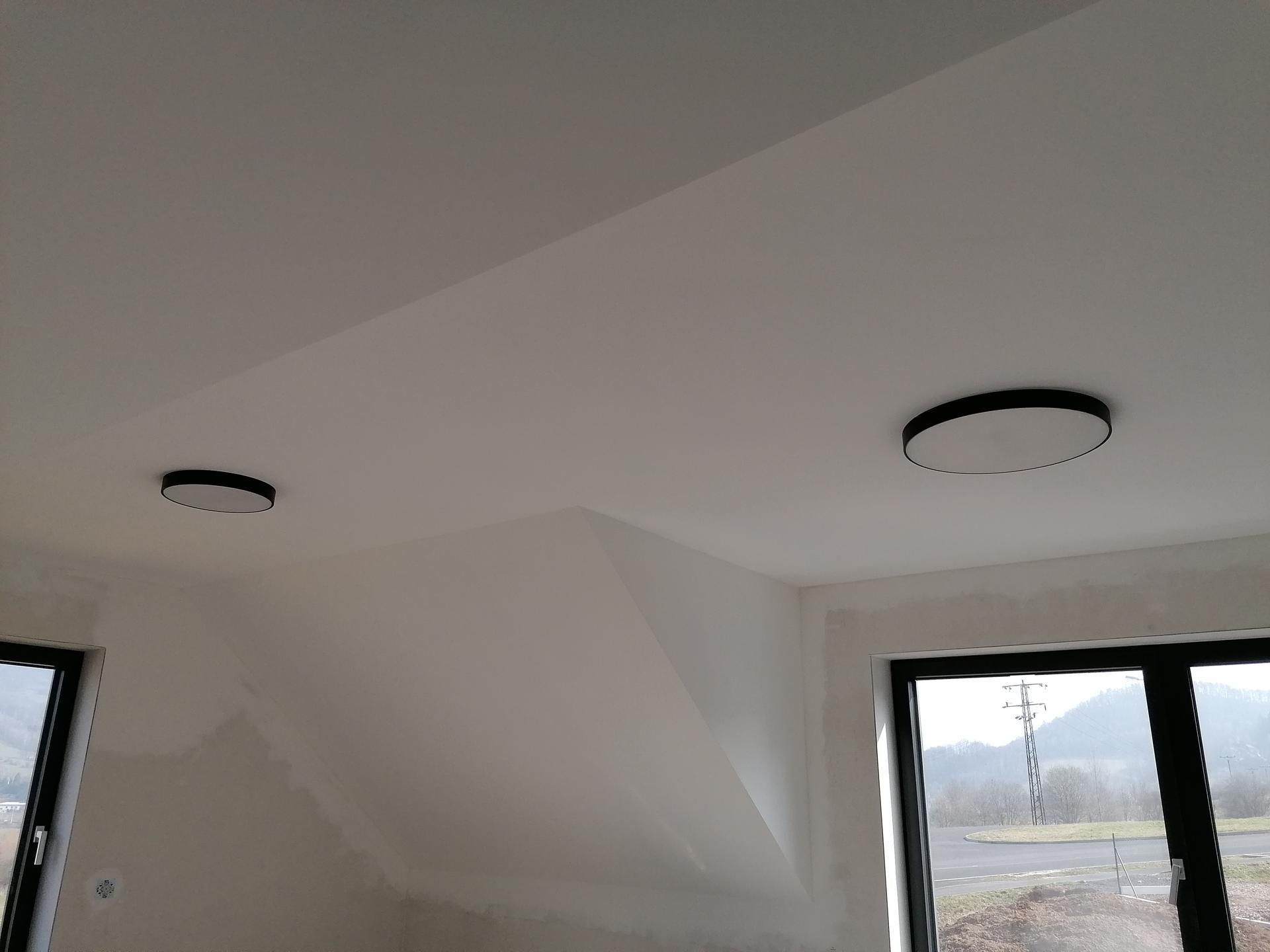 Pasiv Svépomocí 2021 - Eglo Zubietta přisazené LED světlo