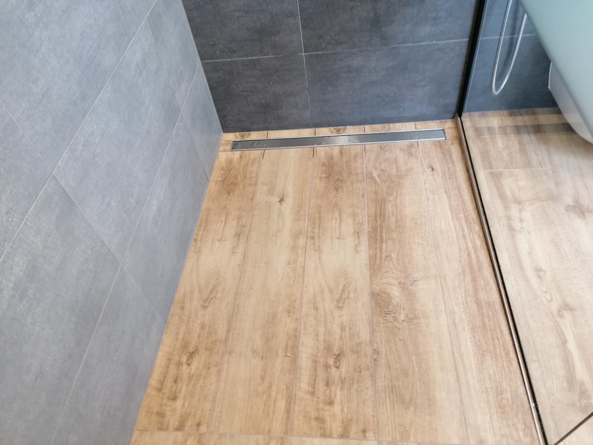 Pasiv Svépomocí 2021 - koupelna v přízemí - sprchový žlab Alcaplast