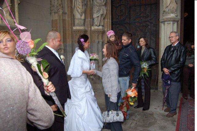 Miška{{_AND_}}Miňko - ďakujeme všetkým gratulantom,kytice boli nádherné:):)