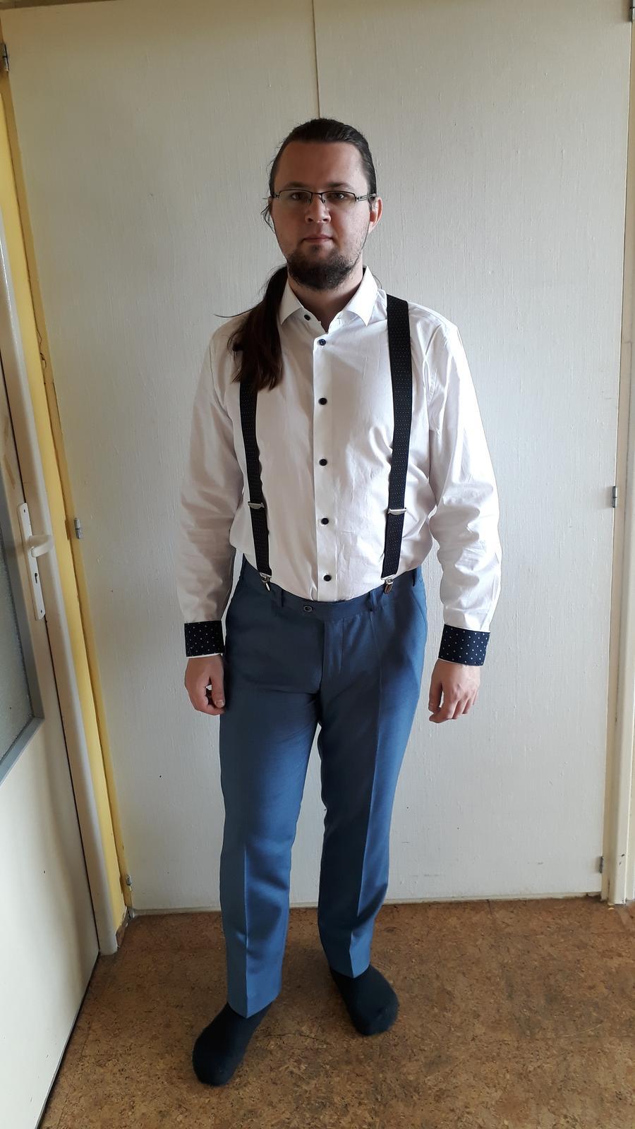Co uz mame... - Dali byste ksandy? Nebo kravatu? Bez toho mi to prijde takove divne...ale mame jeste teda hnedy pasek a boty ;-)