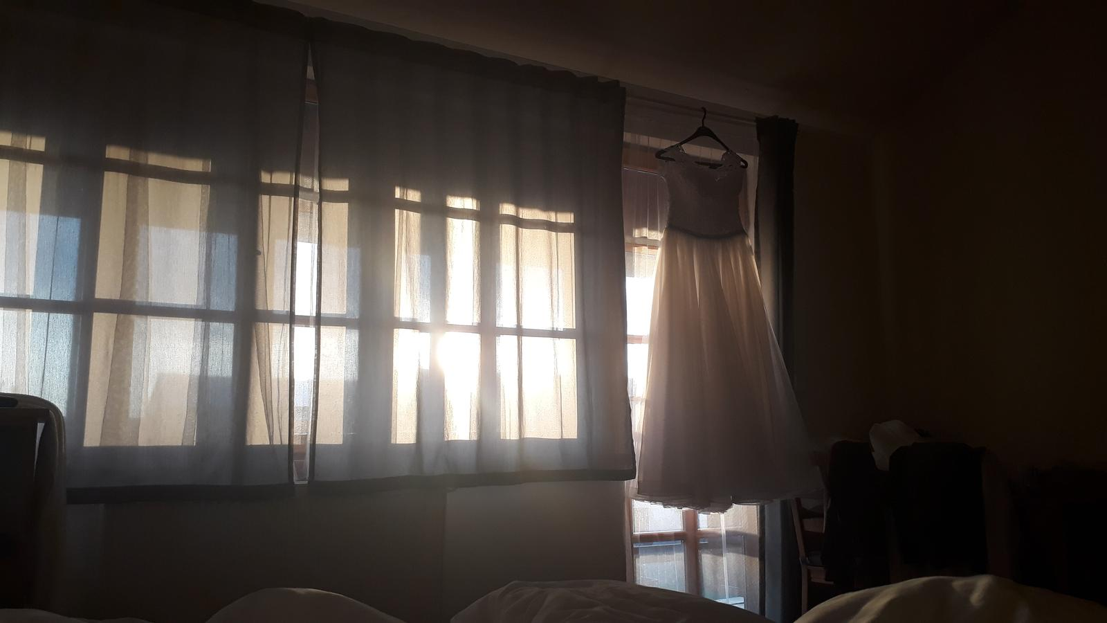 Dneska den D. Od pul 5 uz nemuzu spat a prevaluji se v hotelovem pokoji. Teseni a obavy..Aspon mam cas vynadivat se na ty saty. - Obrázek č. 3