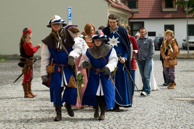 Kateřina Benýšková{{_AND_}}Robert Vaněček - jdeme na hrad