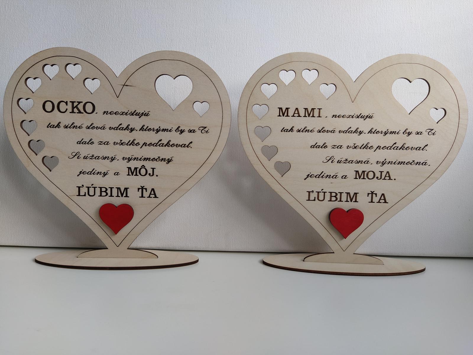 2 drevené srdiečka pre Mamičku a Ocka - Obrázok č. 1