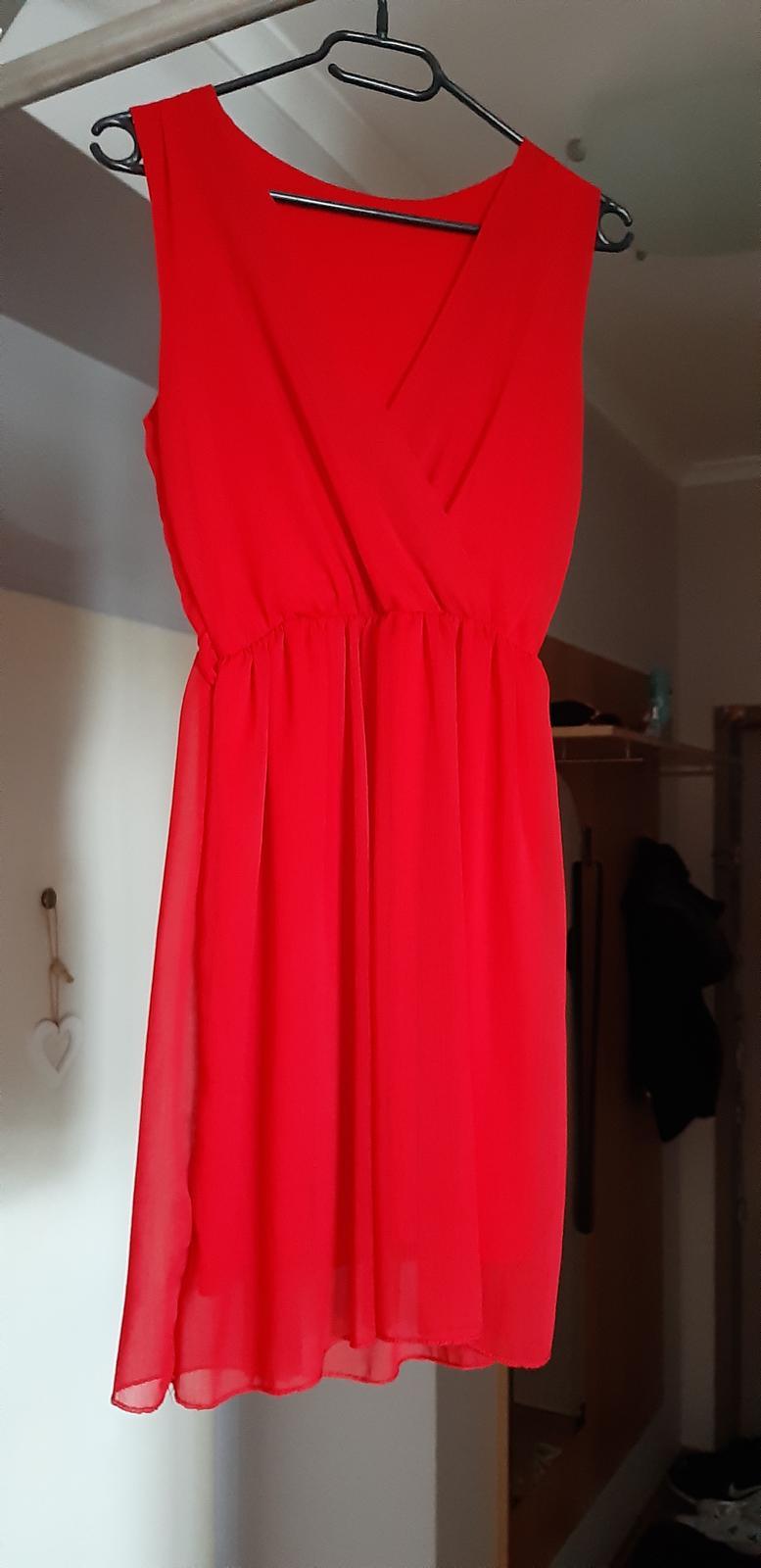 červené šaty univerzálna veľkosť - Obrázok č. 1