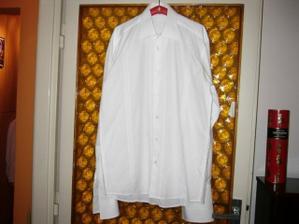 prvá svadobná košeľa...