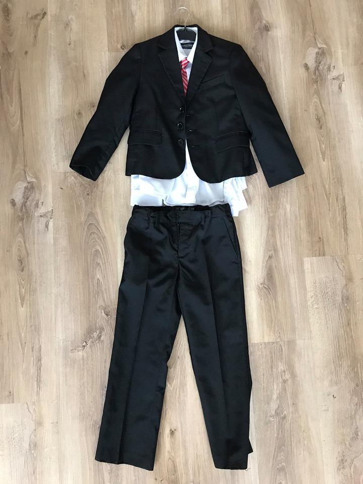 Chlapecký oblek velikost 134 - 10 let - Obrázek č. 1