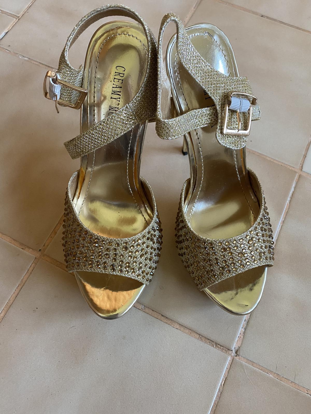 Zlaté sandálky veľkosť č. 37 - Obrázok č. 1