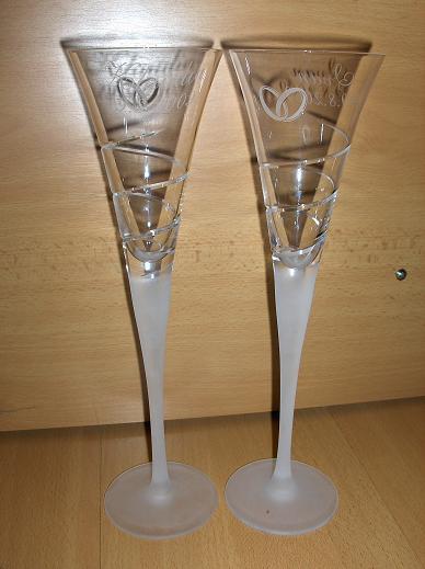 Naša svadba...29.8.2009 - naše pohárepáčia sa mi,som spokojná..