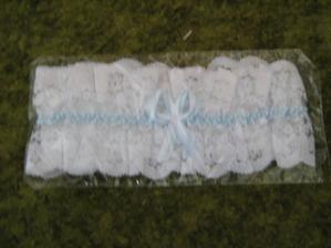 podvazek (něco modrého)