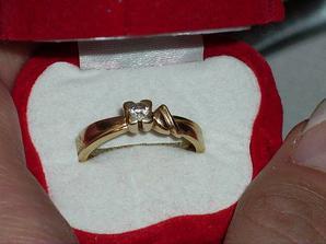 Môj zásnubný prsteň. Dostala som ho 2.1.2004