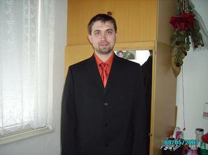 Košeľa a kravata k popolnočným