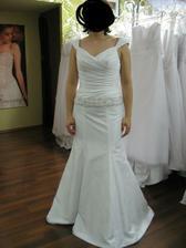 A v momentě, kdy jsem oblékla tyto, začala jsem se sama sobě jako nevěsta líbit a měla jsem pocit, že by to mohly být ONY!