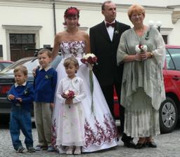 Rodiče nevěsty, neteř a synovcové ženicha
