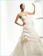 Šaty Leganes na modelke