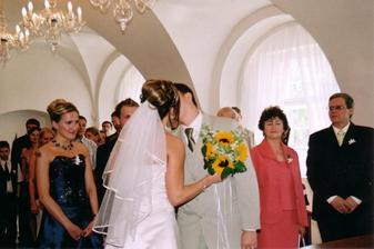 a novomanželský polibek:-)