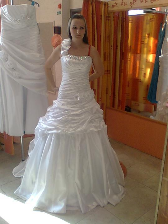 P@ P - 7. máj 2011 - Moje svadobné šaty...