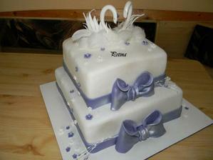 Torta č.2  so soškou na vrchu :)