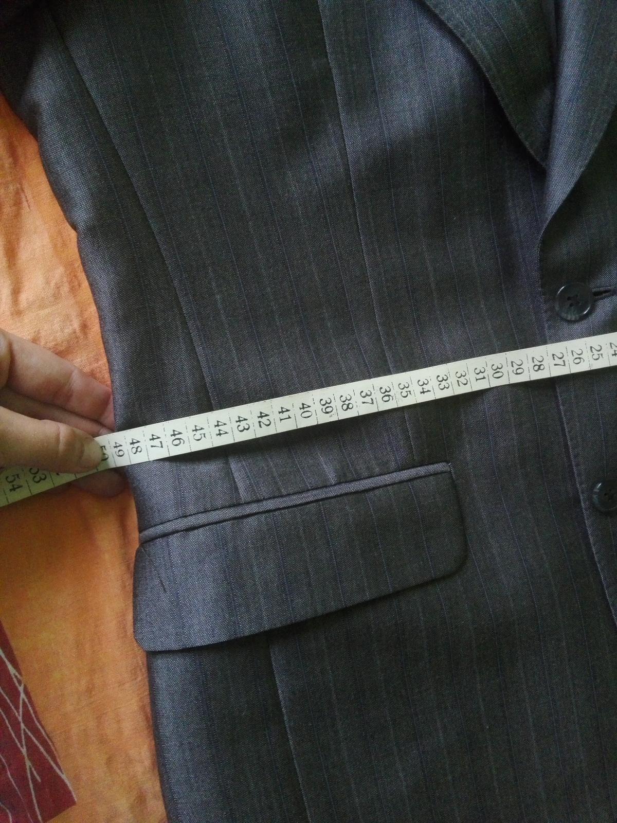 sivy oblek - Obrázok č. 3