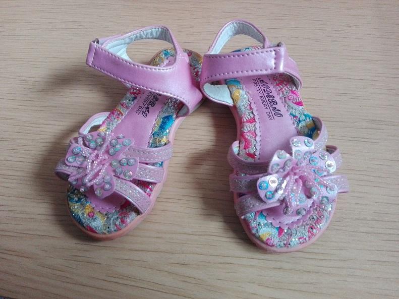 dievcenske sandalky - Obrázok č. 1