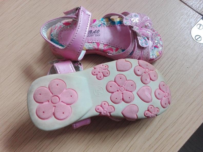 dievcenske sandalky - Obrázok č. 3
