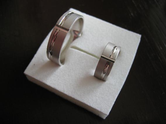 Marinka - Aajko, spešl pro tebe naše prstýnky :)