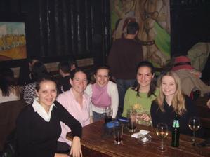 A tu začína naše prvé stretnutie 27.3.2007. Boli sme v Slovak Pube v Bratislave. Chýba nám už len ada.