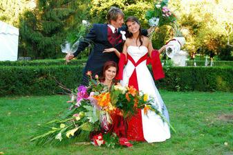 so sestrickou a polovicou kvetiniek...