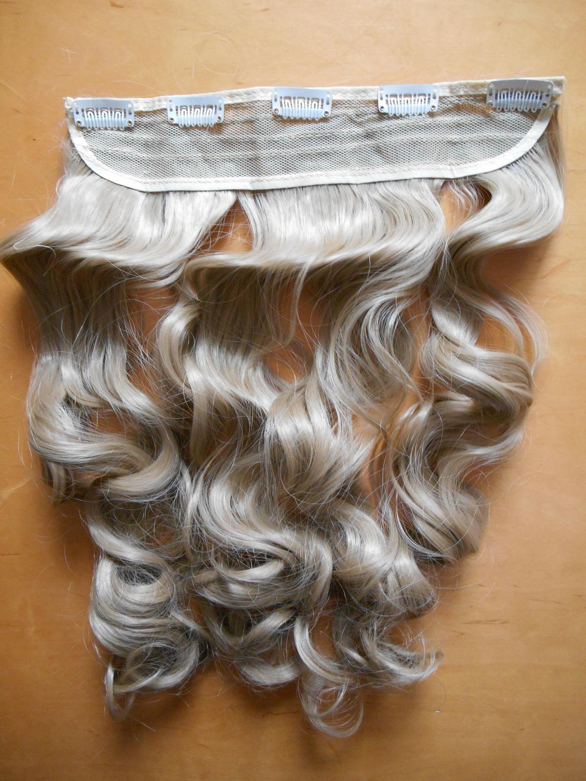 Clip in vlasový pás lokne 55 cm odtieň 24 - Obrázok č. 2