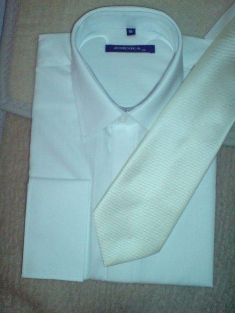 Janka&Atko - biela kosela na manzetove gombiky (tie este nie su) a maslova kravatka
