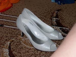 moje svadobne topanky...