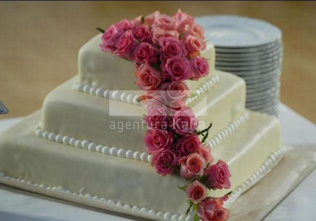 Klaudi a Peťo - podobnu tortu budeme mat