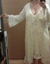 svateb. šaty s kabátkem od mamky :-)