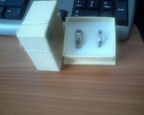 titanové prstýnky...