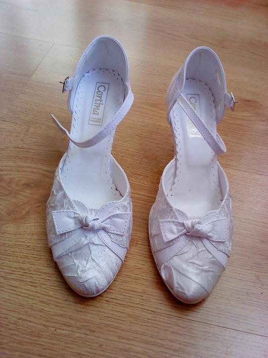 Príprava na svadbu :-) - svadobné topánočky :-)