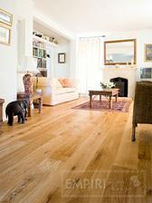 dub rustikal podlaha, i když je tu nutkání dát modrobílou dlažbu