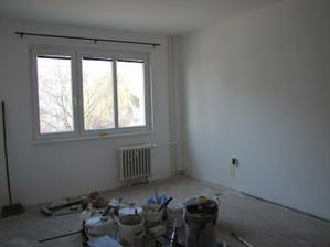 obývákoložnice zatím bez podlahy zato vymalovaná, dulux light and space-absolut white