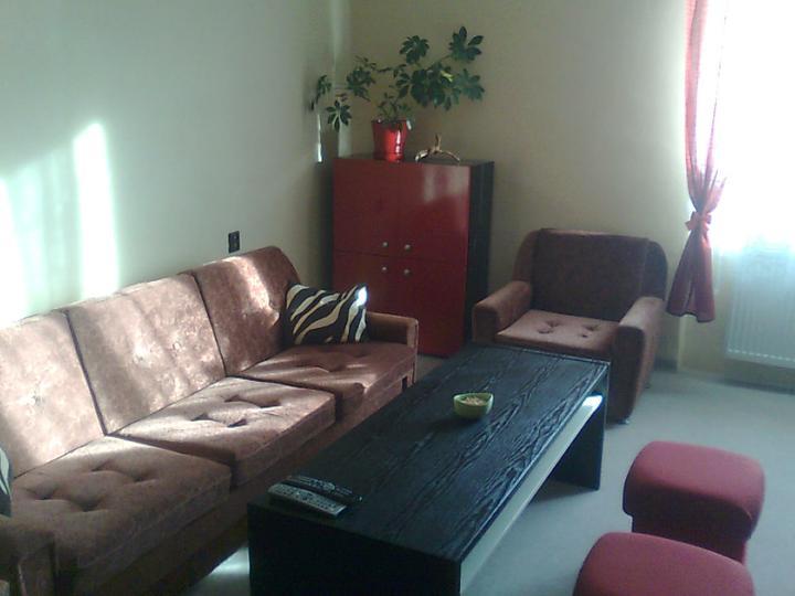 Moje upravy domu a dvora - nová premena... na nový gauč este setríme peniažky...