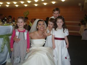 Detičky na svadbe urobili svadbu svadbou... :o)