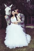 Úchvatné svadobné šaty i pre moletku, 42