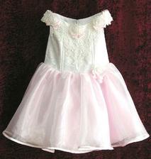 šaty pro jednu drůžičku :)