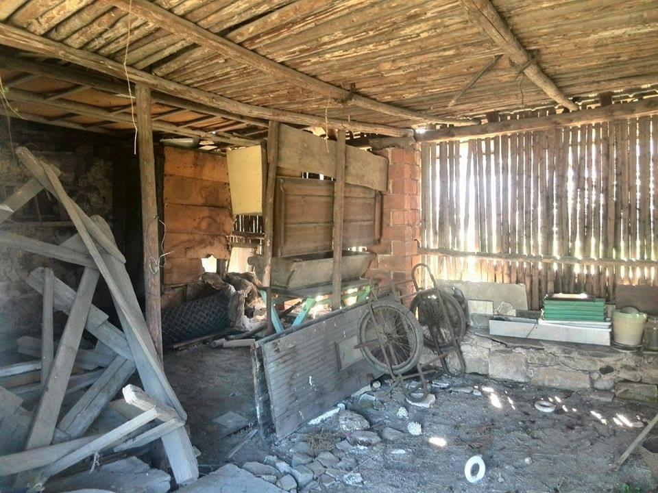 ..our rustic cottage.. - ..stodola uvnitř..