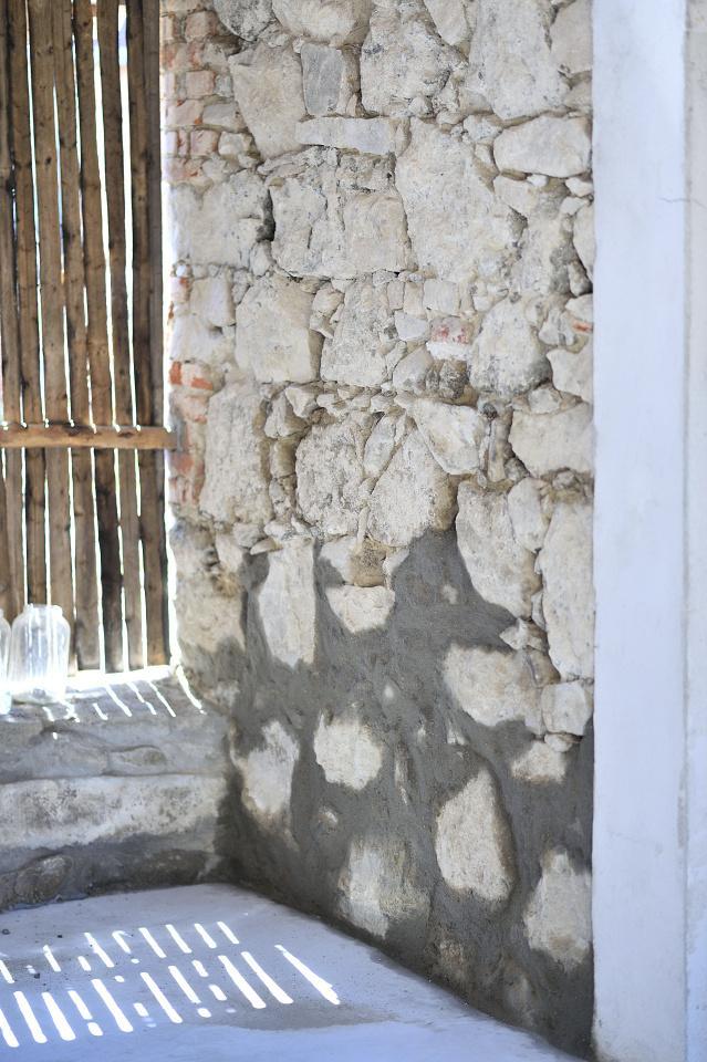 ..our rustic cottage.. - Konečně jsme začali spárovat baráček