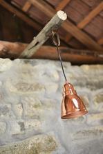 Světlo v letní kuchyni (bude v páru), nad pracovní deskou.