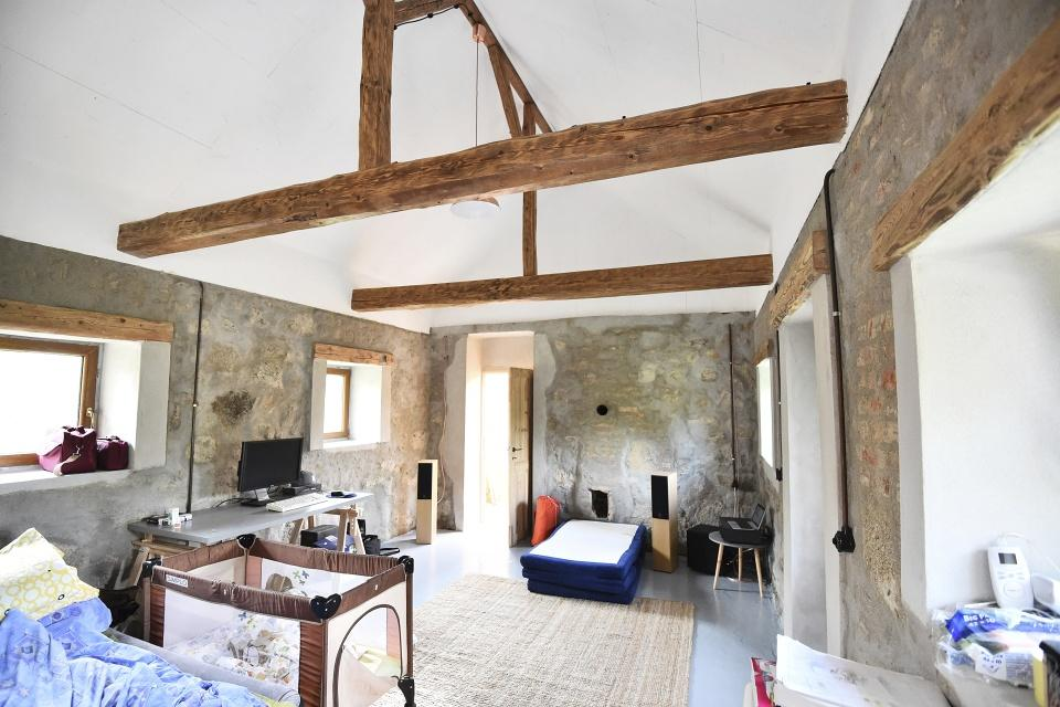 ..our rustic cottage.. - a takhle se nám bydlí v domku, ještě tedy stále trošku improvizujeme, ale hlavně, že jsme tu ;-)