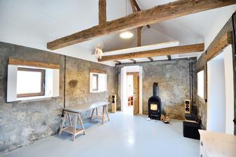 Domek konečně uklizen, místo paland je nakonec patro, schody jsou ve výrobě :-)