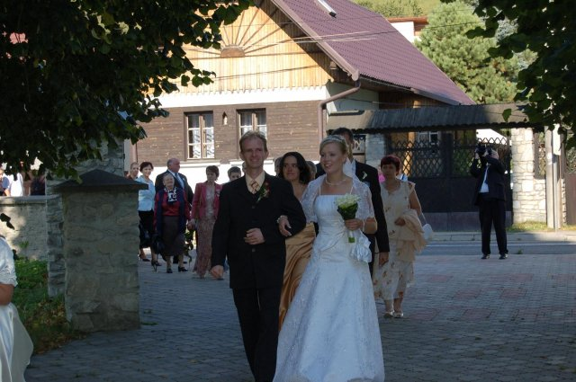 Lenka Karetková{{_AND_}}Libor Florek - a ide sa do kostola