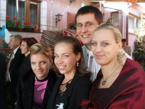 Lucka, Alenka, Erik a Macka....super partia čo sa postarala o fajn zábavičku