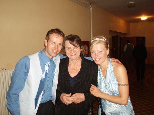 Lenka Karetková{{_AND_}}Libor Florek - a foto s tetou Juhásovou tiež nemôže chýbať